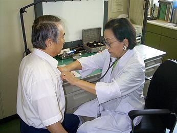 健康相談室診察の様子