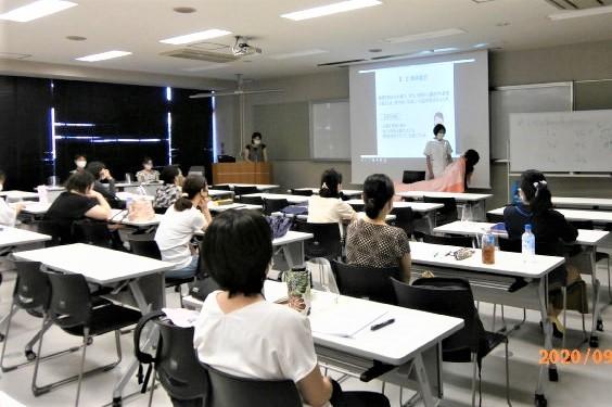 写真:看護論演習の発表会